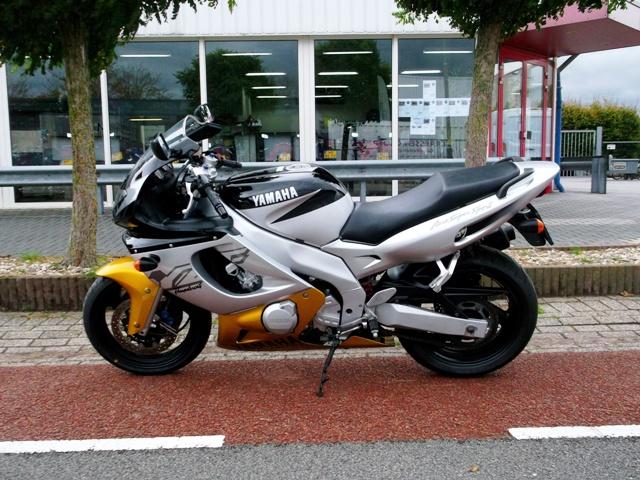 Yamaha yzf 600 Thundercat 001